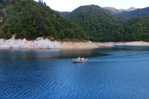黒部湖の渡し船