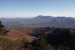 雄大な浅間山とその裾野