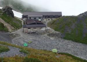 白馬岳頂上宿舎のテント場