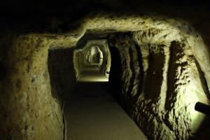 石見銀山の坑道